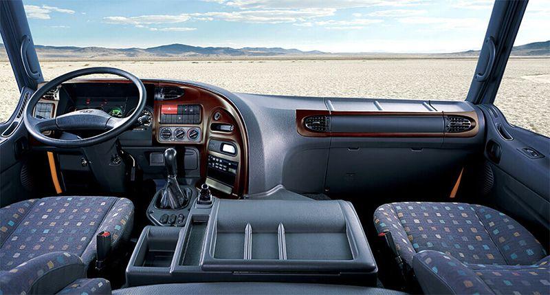 Cabin Hyundai HD320