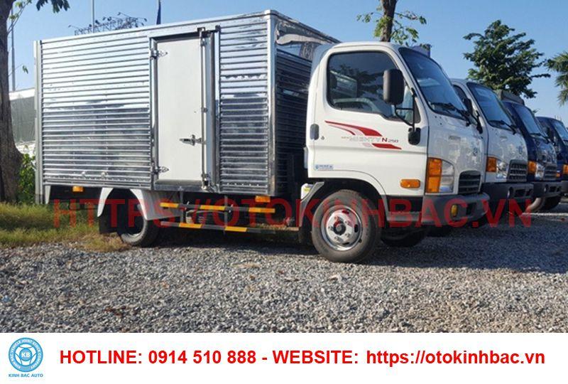 Ngoại thất Hyundai N250 thùng kín 2.5 tấn